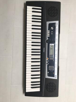 Chollo !! Piano y electrónico Yamaha Portatone YP