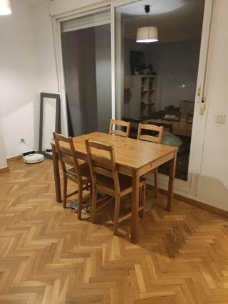 mesa y 4 sillas madera Ikea