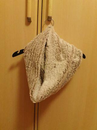 bufanda peluda tipo buf