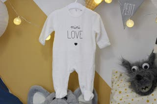Pijama calentito blanco Kiabi. Talla 3 meses