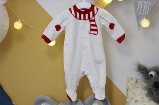 Pijama muñeco de nieve con gorro de Chicco. 1 mes