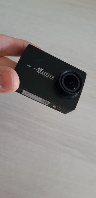 Xiaomi Yi Action Camera 4k + Pack