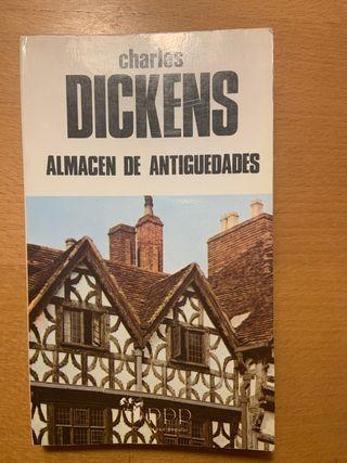 """Libro """"Almacen de antiguedades"""" Charles Dickens"""