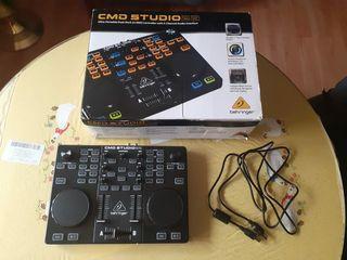 Mesa de mezclas Behringer cmd Studio 2a