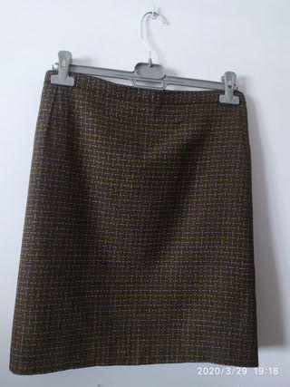 Falda marrón colores