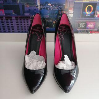 Talla 38 zapatos tacón negros efecto charol