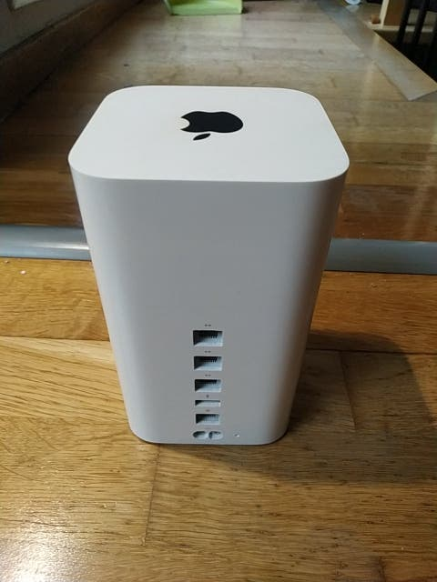 ROUTER APPLE