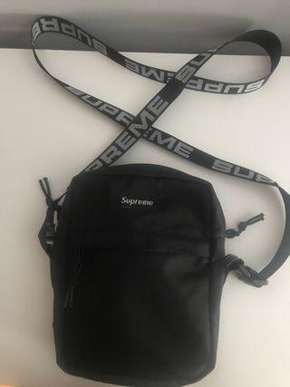 Shoulder Bag Supreme (SS18) Negra