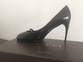 Zapatos Stilettos GUCCI piel negro