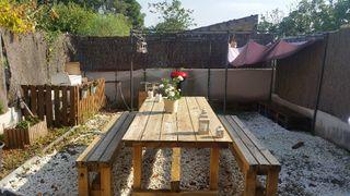 Mesa grande de picnic jardín