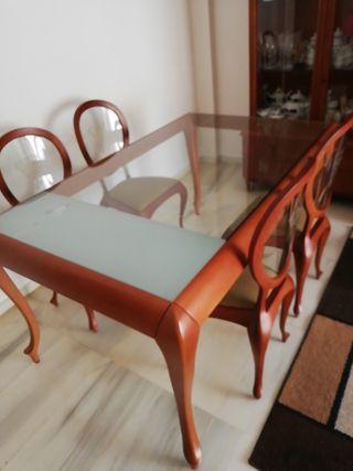mesa comedor y seis sillas