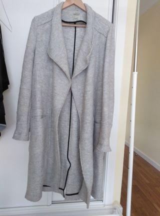 abrigo paño gris claro zara