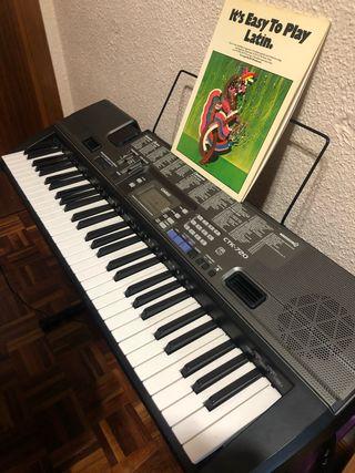 Piano / Teclado electrónico CTK 720