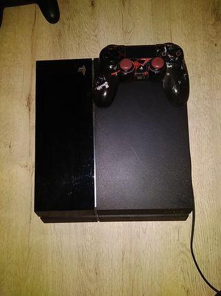 PS4 + Mando (funda plástico) + juegos a elegir