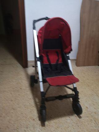 vendo un carrito de bebé + un triciclo