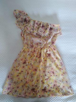 Vestido amarillo con estampado de flores
