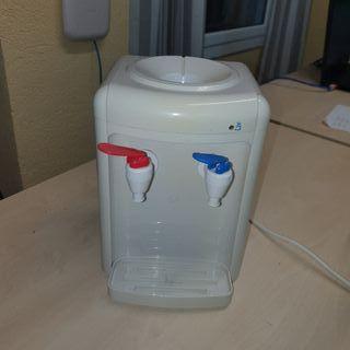 dispensador agua natural y caliente