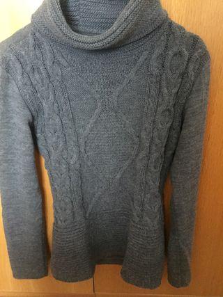 Jersey gris cuello alto
