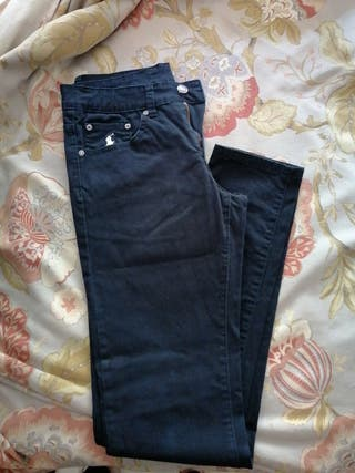 pantalon vaquero oscuro