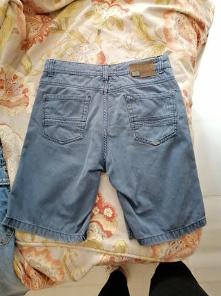 pantalon corto azul grisaseo