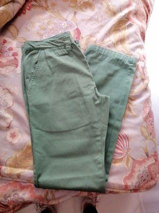 pantalon vaquero verde