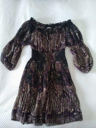 Vestido de tonos morados