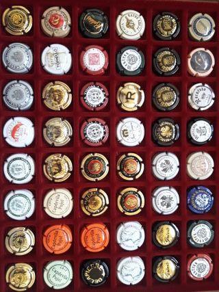 Caja de chapas de coleccionismo 2