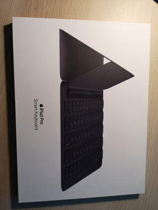 """Teclado - Apple MPTL2Y/A, Para iPad Pro, 10.5"""""""