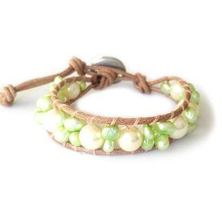 Pulsera cuero y perlas cultivadas. Nueva.