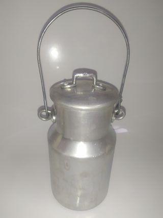 Lechera antigua de metal 1 litro