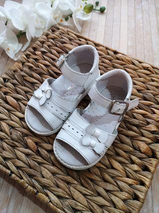 sandalias piel talla 21 blanco niña