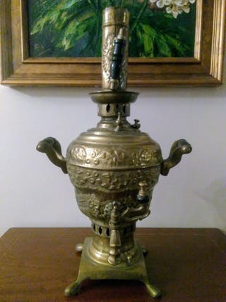 Samovar de latón antiguo