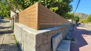 Valla de madera o tarima sintetica de exterior