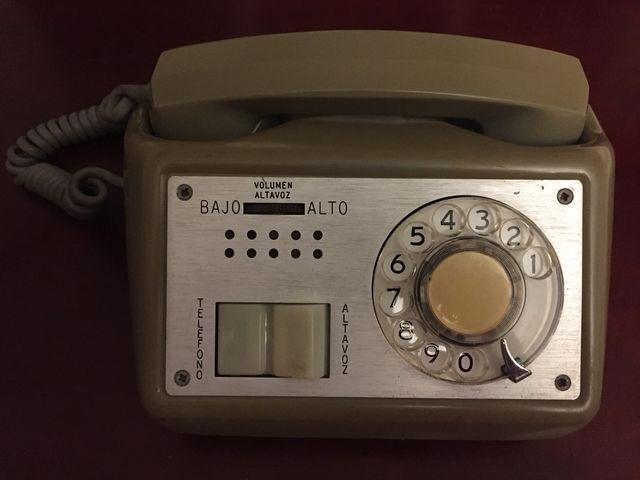 Teléfono vintage americano de los 60s
