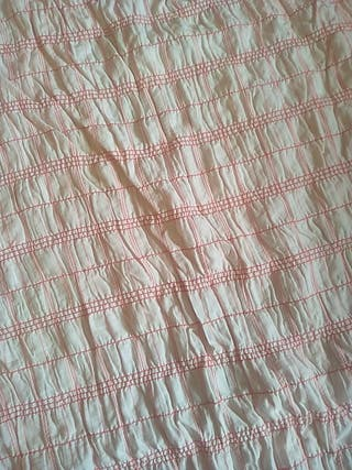 Retal de tela de gomas blanca de cuadros rojos