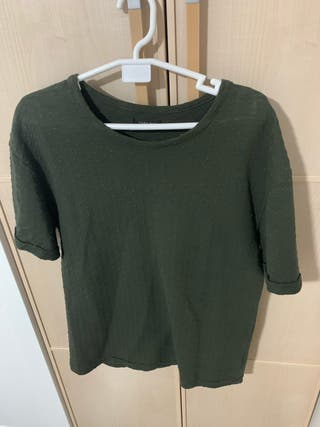 Camiseta Zara.