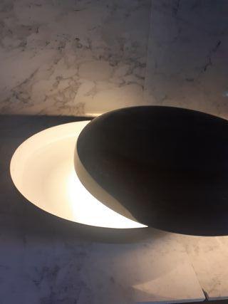 lámpara de mesa giratoria