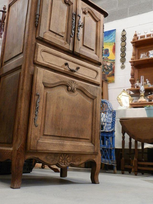 Mueble auxiliar de roble 120x38x64cm