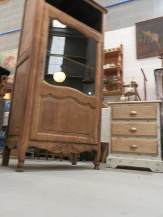 Bonita vitrina de roble 164alto x42x78cm ancho