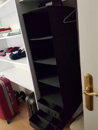 Organizador de ropa / zapatos IKEA con cajones