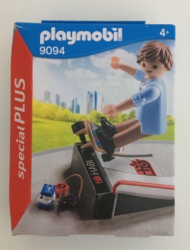 PLAYMOBIL 9094 SKATER CON RAMPA