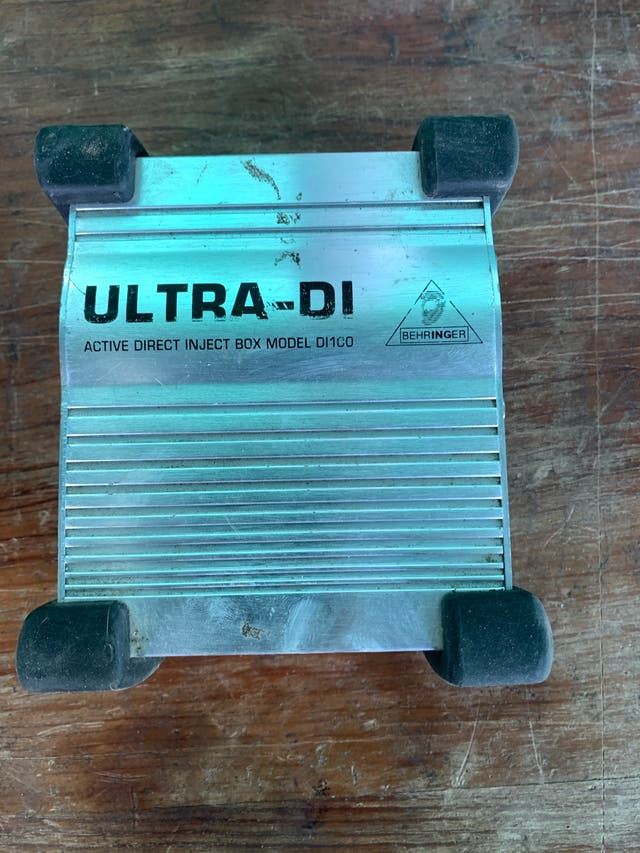 Caja de Inyección Behringer ULTRA - DI 100