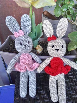 muñeco crochet conejita