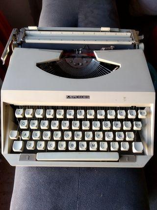 Máquina de escribir Mercedes