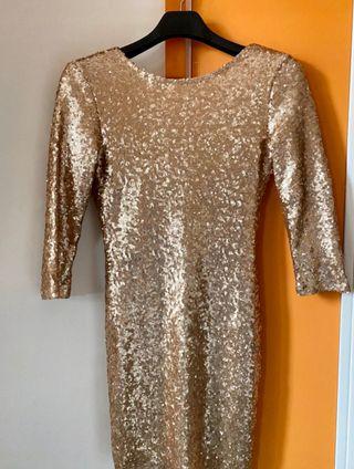 Vestido de lentejuelas dorado