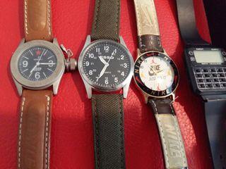 4 relojes antiguos.