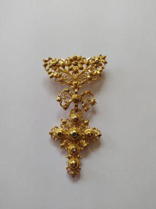 Venera charra en oro de 18 quilates y diamantes