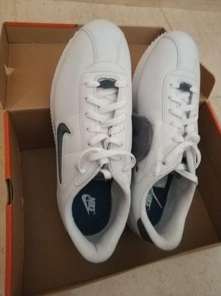 Zapatillas Nike Cortez Deluxe T46