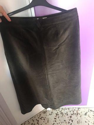 Falda de pana marrón Burberry larga