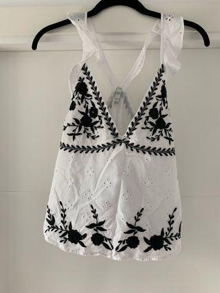 Camiseta blanca Zara trf